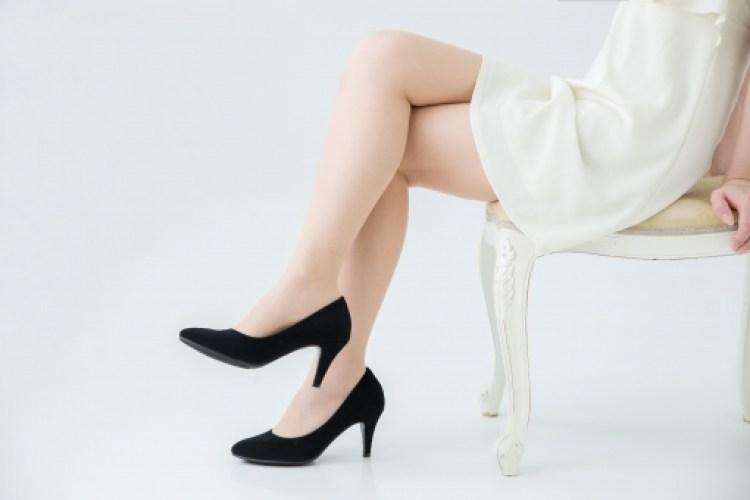 足を組むのは骨盤の歪みから