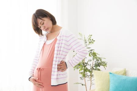 妊娠中から出産後の腰痛の原因