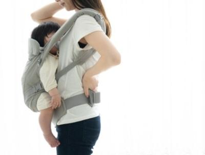悪い赤ちゃんの抱っこの仕方