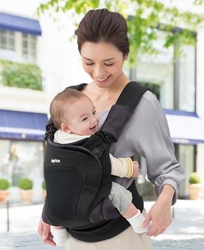 産後、赤ちゃんの正しい抱っこの仕方、悪い仕方