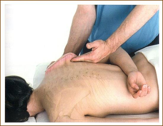 肩甲下筋のマッサージ4