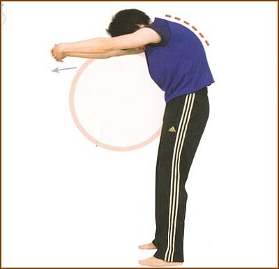 肩甲骨の周りを伸ばす1