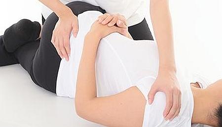 尿漏れ改善骨盤矯正