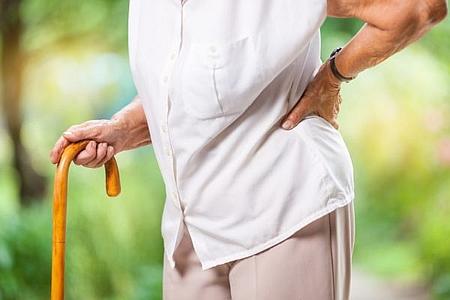 強直性脊椎炎の対処療法と改善治療の方法とは?