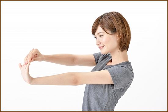 尺側手根屈筋のストレッチ