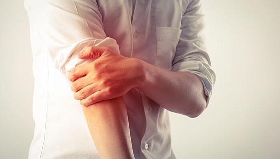 外側上顆炎や『テニス肘』と呼ばれる障害