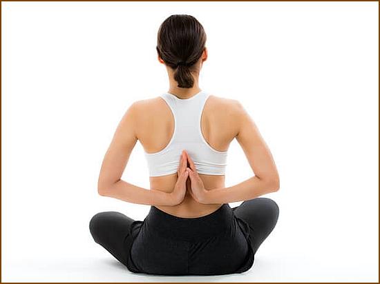 肩甲骨の痛みや肩こりは肩甲骨はがしで改善